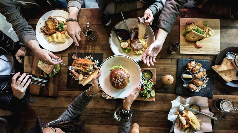 多樣化的創意料理、豐富的套餐選擇
